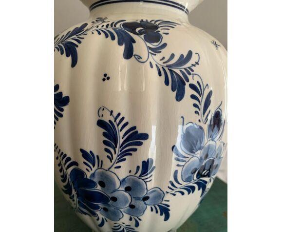 Covered Vase of Delft