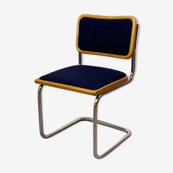 Chaise cesca bleue de Marcel Breuer