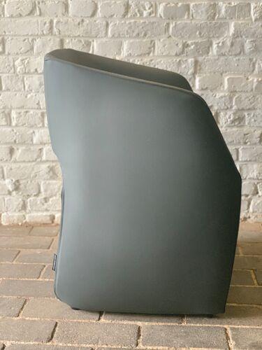 Lot de 8 fauteuils OM by Mobles 114
