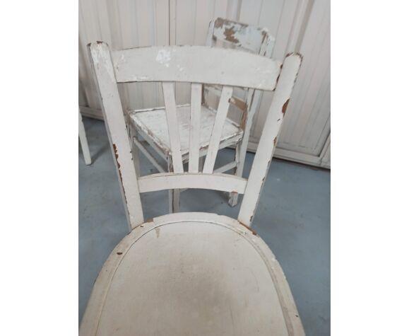 4 chaises de bistrot blanches patinées