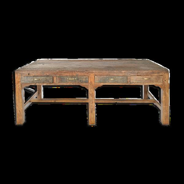 Table en bois à 8 tiroirs