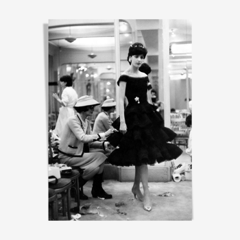 "Photographie ""Coco Chanel, la touche finale"" Paris 1963      /    N&B    /     15 x 20 cm"