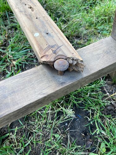 Banc en bois poncé dans son jus