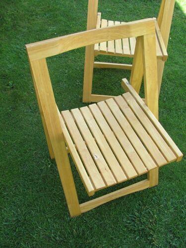 Set de 4 chaises pliantes en bois clair