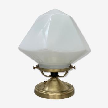Lampe a poser en opaline vintage