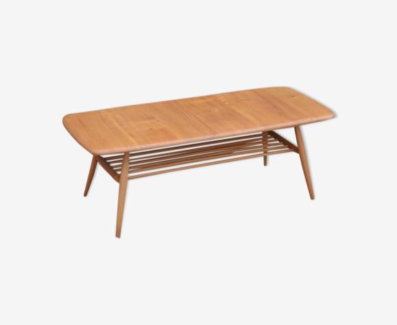 Table basse par Lucian Ercolani