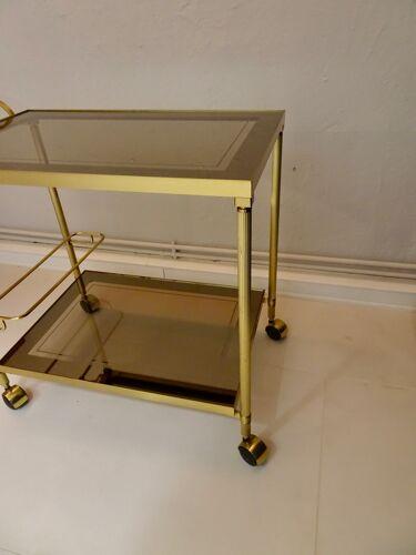 Desserte roulante dorée style néo classique