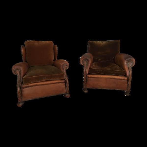 Paire de fauteuils club en cuir et velour circa 1950