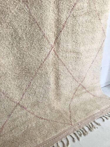Tapis berbère marocain Beni Ouarain à losanges rose pale 2,97x2,04m