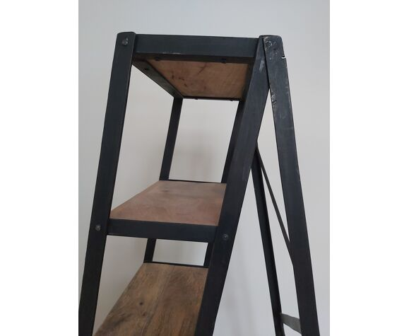 Painter's stepladder