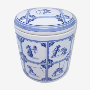 Delft earthenware pot