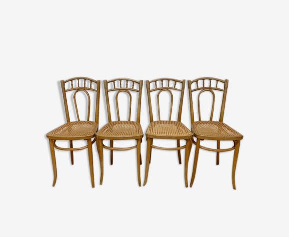 Série de 4 chaises de bistrot assises cannées