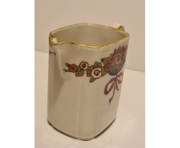 Pot à lait porcelaine de Limoges PL décor floral
