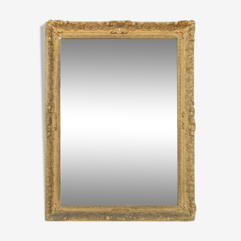 Miroir en bois et stuc doré - 113x83cm