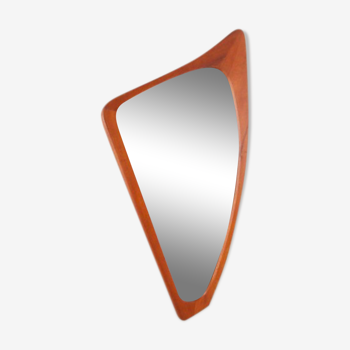 Scandinavian mirror triangular