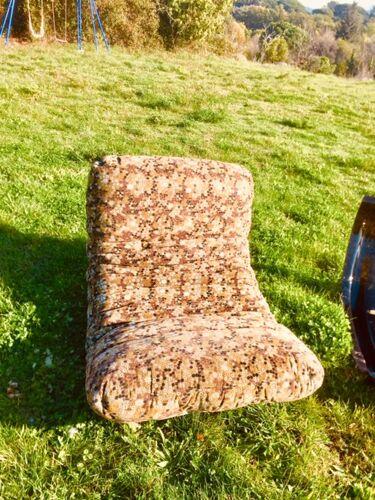 Ensemble fauteuils et poufs de Michel Ducaroy édités par Ligne Roset