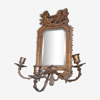 Miroir chandeliers 3 feux sur plaque laiton repousse 22x46cm