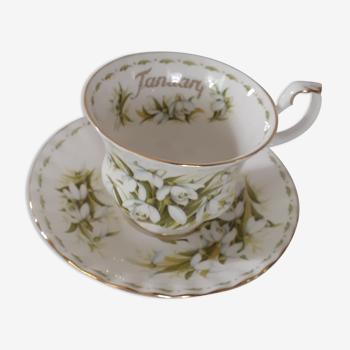 Tasse et sa soucoupe royal albert  1970 january porcelaine anglaise