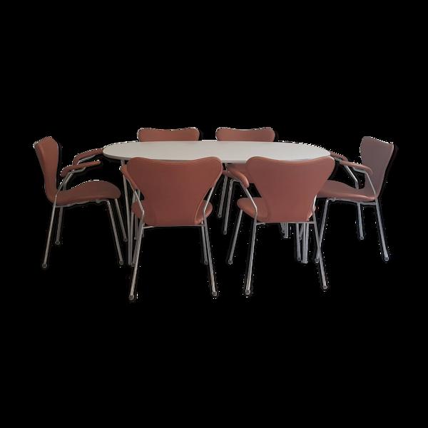 Selency Table et chaises d'Arne Jacobse édité par Fritz Hansen