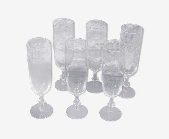 6 flûtes à champagne ciselées en verre transparent