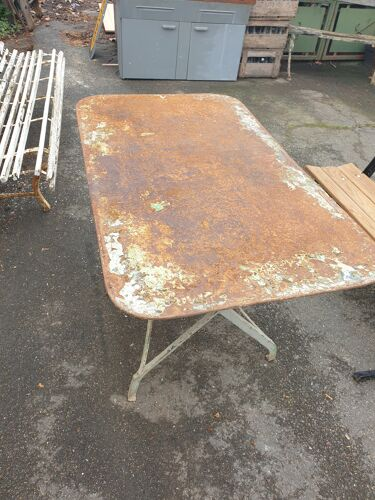 Table extérieure verte
