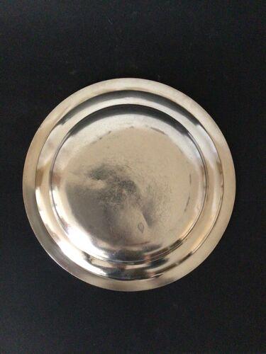 Plat rond en métal argenté Beard Suisse