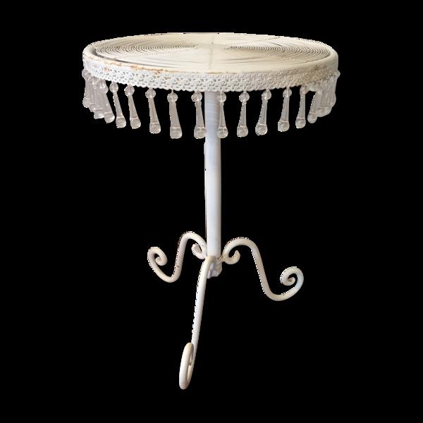 Table d'appoint en métal avec breloques