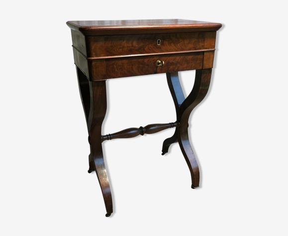 Table à couture travailleuse acajou et plaquage d'acajou