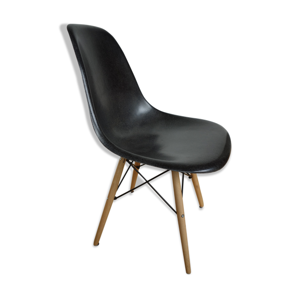 Chaise DSW par Charles & Ray Eames  pour Herman Miller