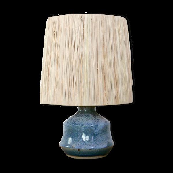 Lampe bleue en grès abat jour en raphia années 60