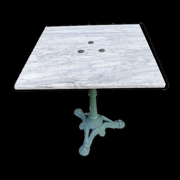 Table de bistrot carrée début XXème fonte et marbre de carrare