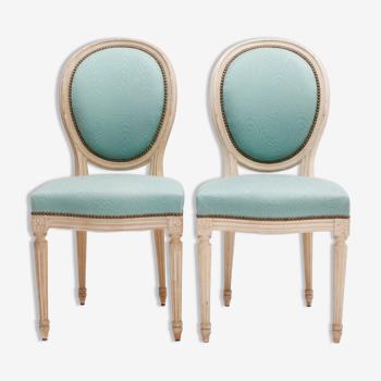 Paire de chaises médaillon fauteuil de style Louis XVI de couleur bleu turquoise