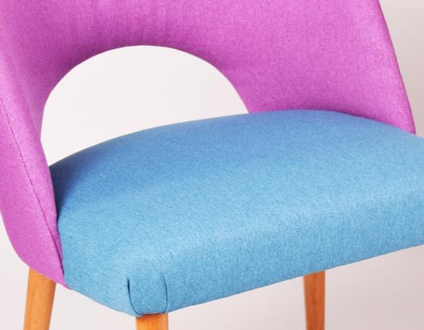 Paire de fauteuils couleurs vives
