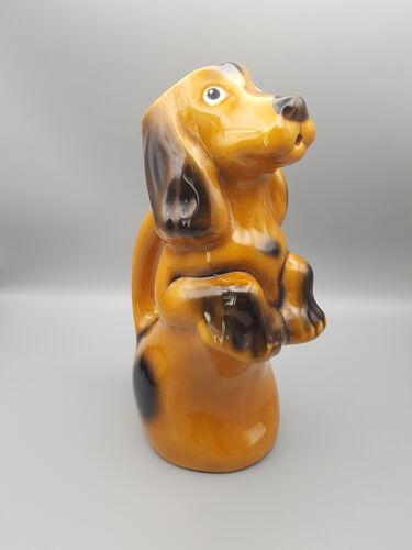 Pichet zoomorphe en forme de chien
