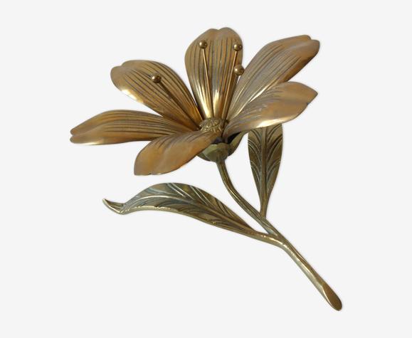 Ancienne fleur en bronze 6 pétales en cendrier