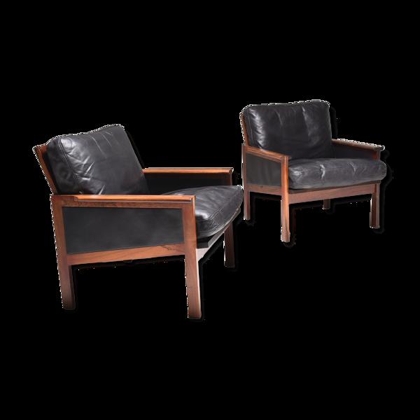 Paire de fauteuils  scandinaves cuir noir par Illum Wikkelsø