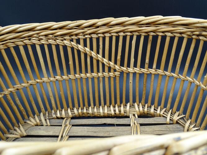 Corbeille ou panier à linge ancien en osier