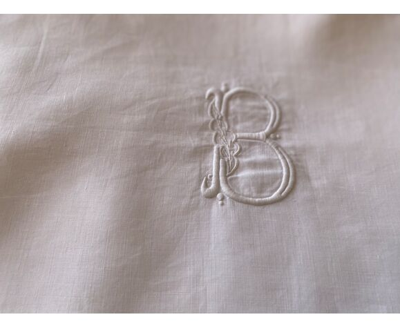Drap de bébé en lin monogramme B