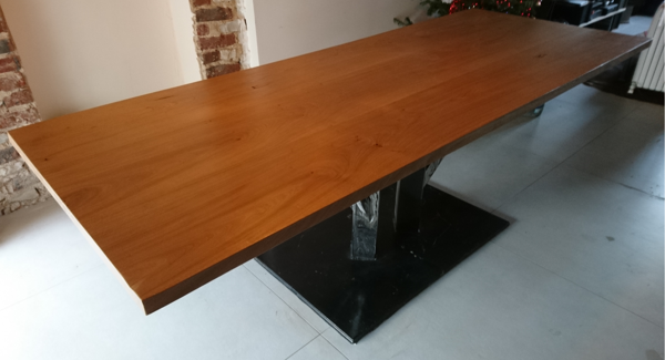 Table unique Invictus chêne et acier