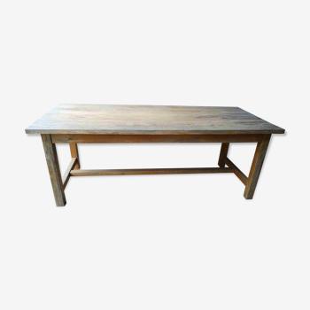 Table rustique en pin châlet montagne