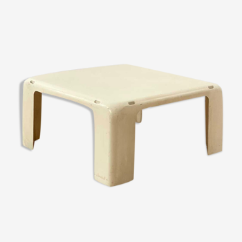 Amante coffee table by Mario Bellini published by C&B Italia 1960