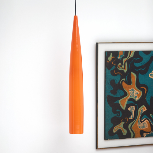 Suspension tube orange par Gino Vistosi
