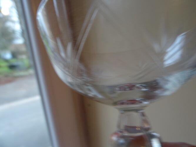 Lot de 11 coupes à champagne gravées