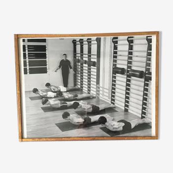 Photo salle de sport et cadre laiton 1960