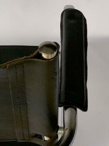 Fauteuil en cuir pietement tubulaire 1980