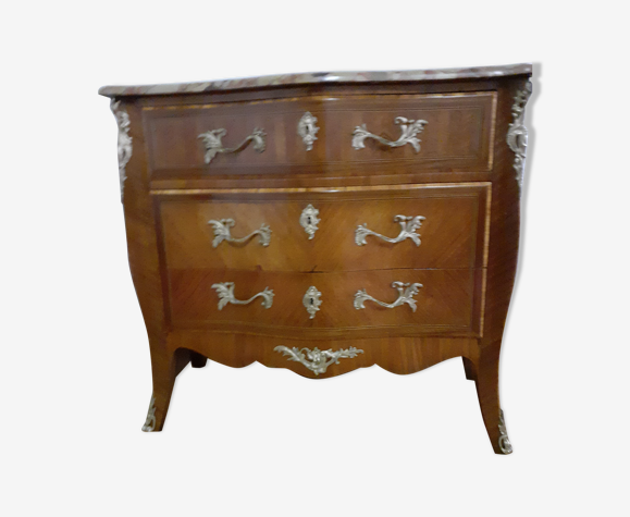 Commode galbée style Louis XV