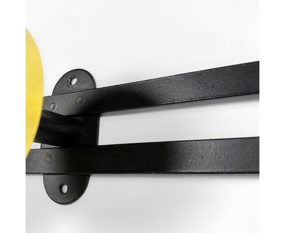 Porte-manteaux mid-century métal laqué noir etjaune