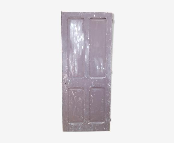 Porte ancienne en sapin chevillée