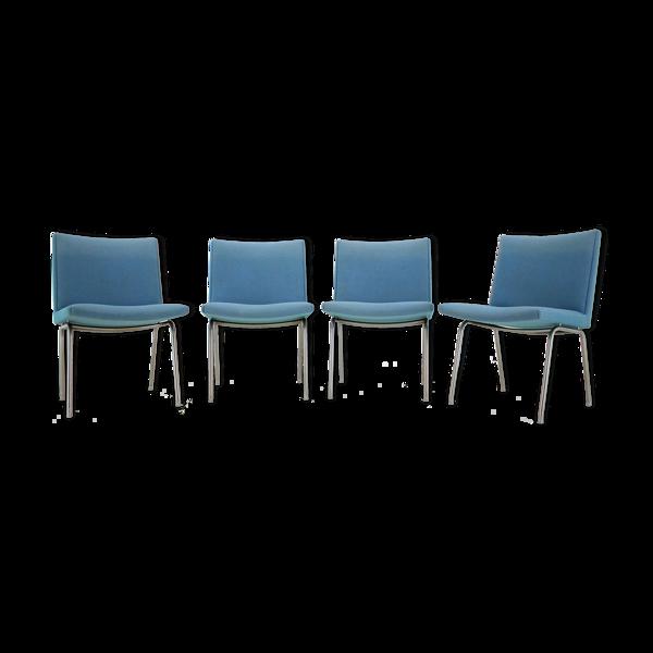 Selency Lot de 4 fauteuils d'Hans J. Wegner pour A.P. Stolen, années 1960