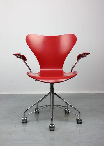 Chaise modèle 3217 Red Swivel par Arne Jacobsen pour Fritz Hansen